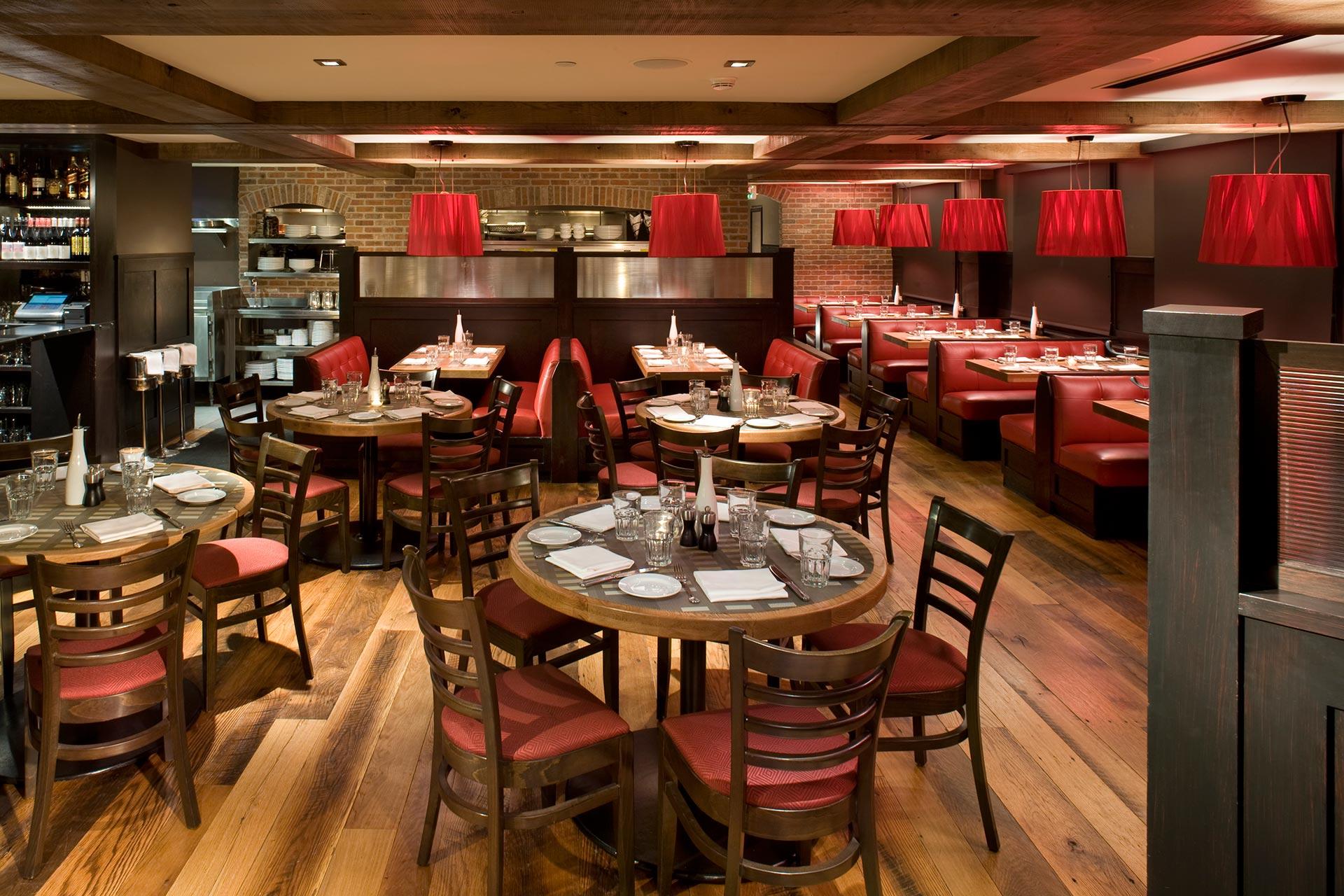 Ajax-Tavern_10_Main-Dining